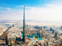 Explore 5 Attractions in Dubai on Board of a Spectacular Ferrari