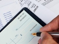 7 Reasons Why the Cheque is Still Alive
